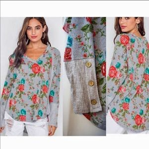 Floral print v neck long sleeve top NWT